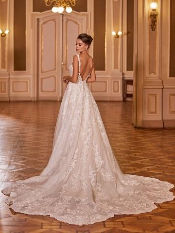 Extravagant Wedding Dresses for 2021 2022 – Val Stefani – Bridal Musings – D8277 B