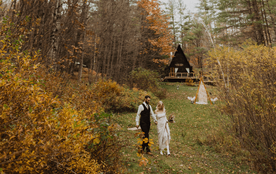 Looking For A Woodsy Wedding Venue? Vermont's Airbnb Cabins Are Rustic & Aplenty…