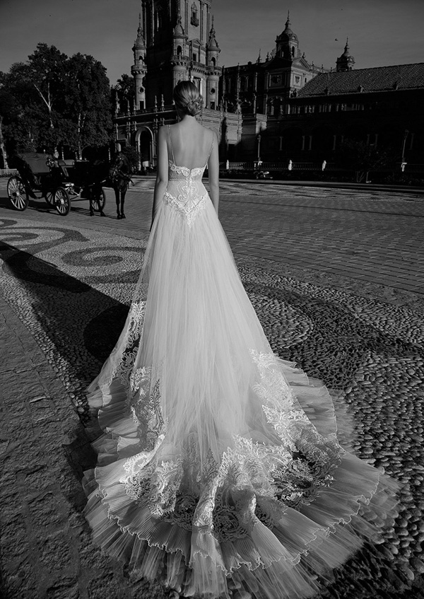 alon-lovne-white-2017-collection-bridal-fashion-inspiration-014