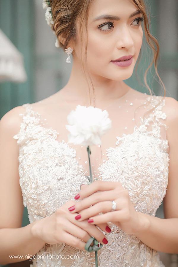 Romantic Outdoor Wedding Dress