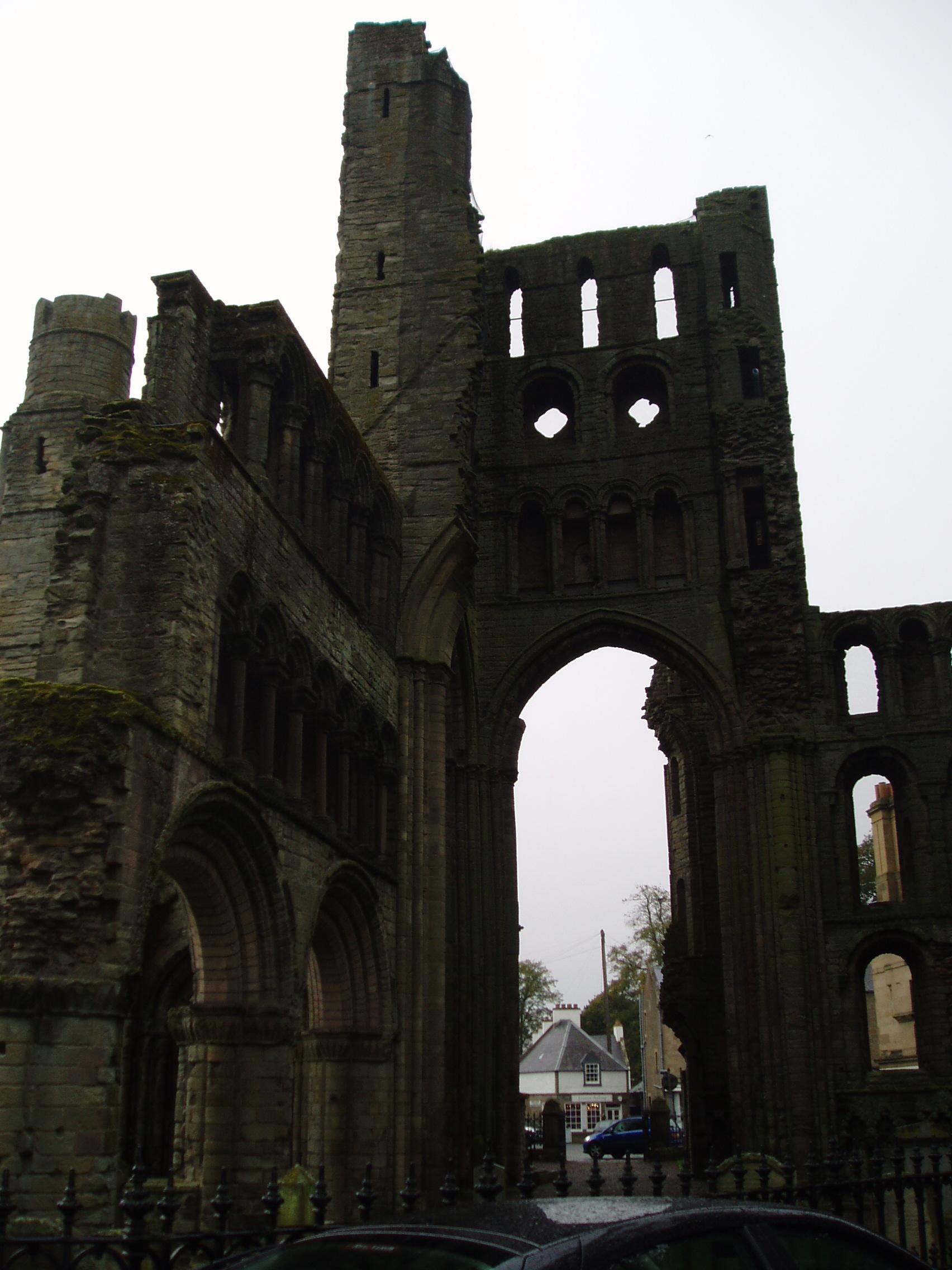 20091006 Kelso Abbey