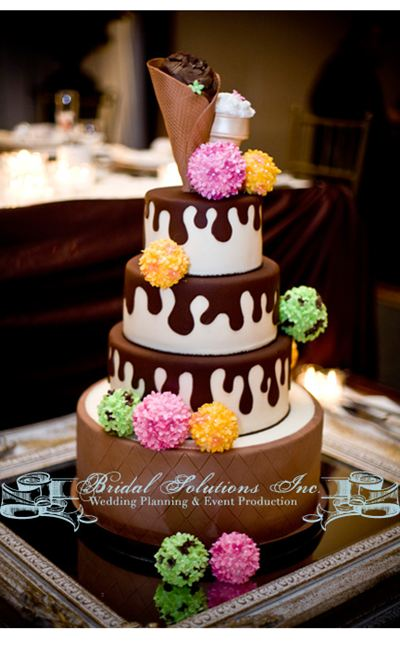 Winter wedding gelato wedding cake