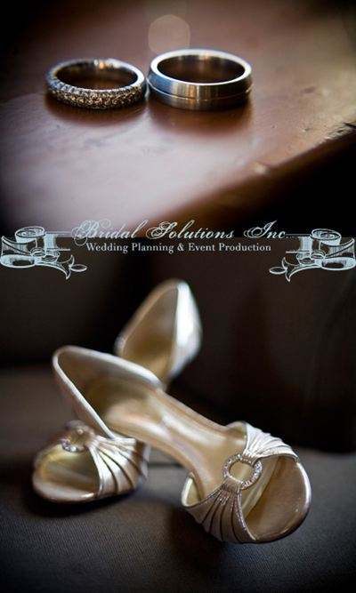 Winter wedding details rings and shoes