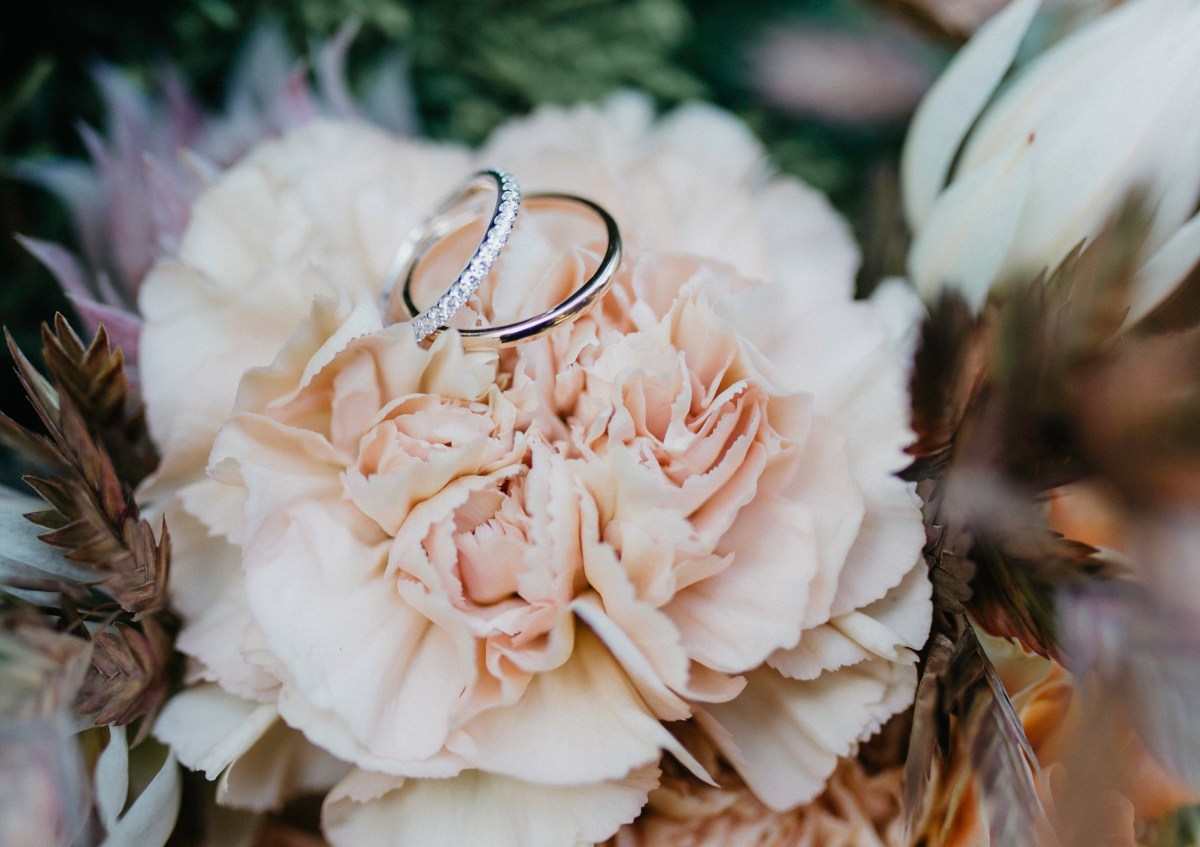5 Ways to Cut Costs When Buying an Engagement Ring