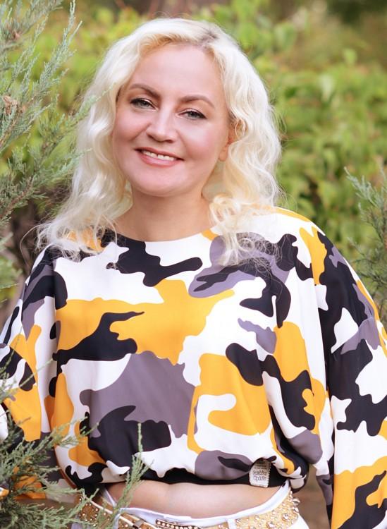 Ella rencontre femme russes parlant francais gratuit