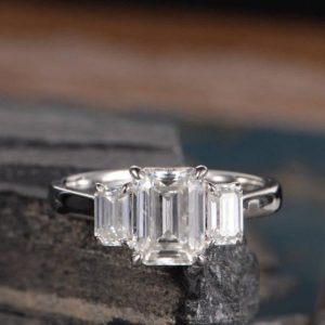 2.70 Ctw Solitaire 3 Stone Emerald Diamond Engagement Ring 925 Sterling Silver