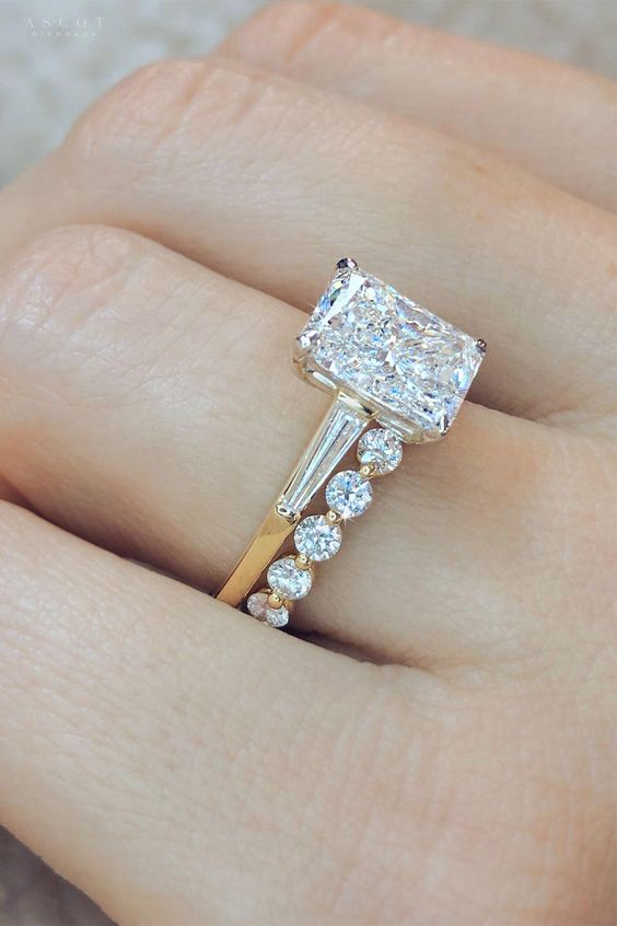 3.20 Ctw Radiant Cut Diamond Baguette Accents Engagement Ring & Band 10k Yellow Gold