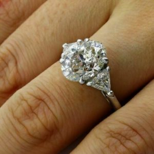 2.93 Ctw Oval Cut & Side Trillion Cut Diamond 3-Stone Engagement Ring Solid 14k White Gold