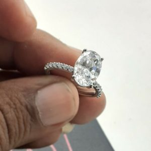 3.00 CARAT OVAL CUT BRILLIANT DIAMOND SOLITAIRE WITH ACCENTS ENGAGEMENT RING REAL 14K WHITE GOLD