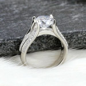 2.90 Ctw Brilliant Cut White Diamond Triple-Shank Wedding Engagement Ring 14k White Gold