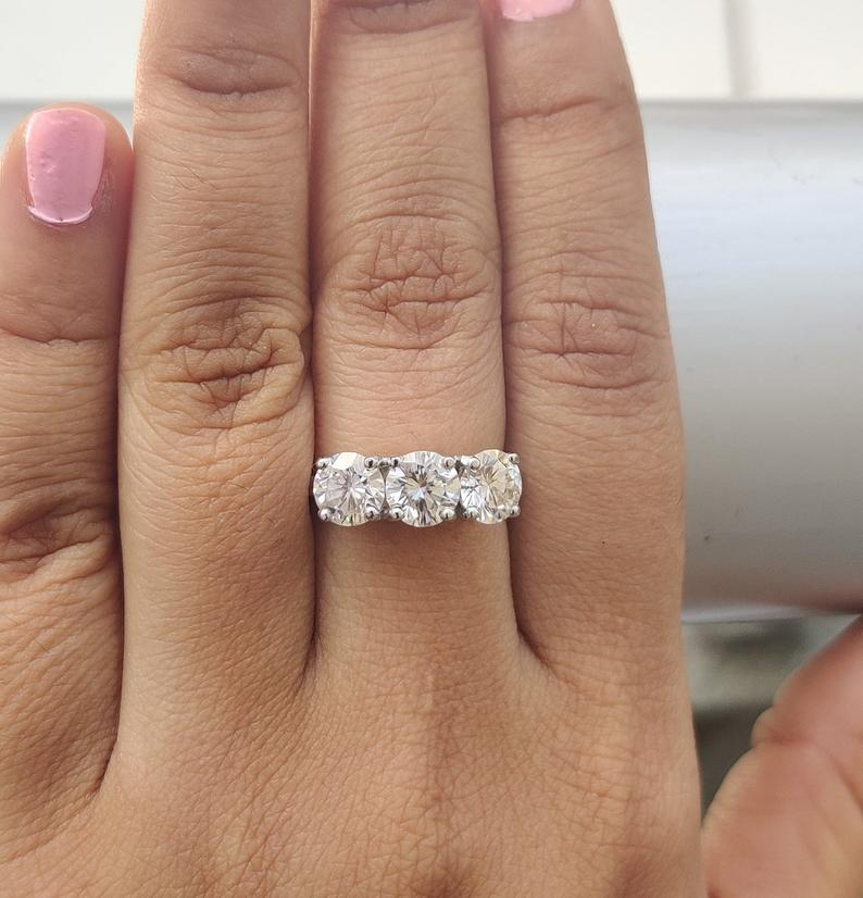 D-Color Round Shape 2.60 Carat Solitaire Engagement Ring In 925 Sterling Silver