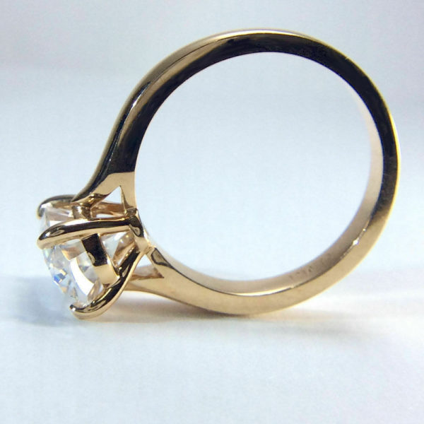 Big 3.00 Carat Oval Cut White Diamond Pretty Engagement Ring Solid 14k Yellow Gold