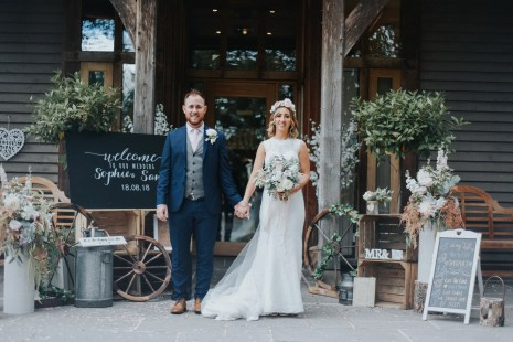A Rustic Wedding at Oaktree Of Peover (c) Bobtale Photography (59)