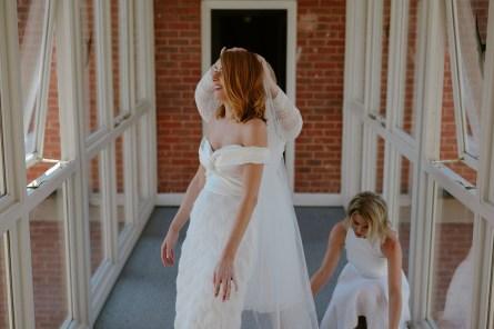 A Stylish Wedding at Hazel Gap Barn (c) Ruth Atkinson (3)