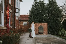 A Styled Bridal Shoot at Healing Manor (c) Holly Bryan Photography (28)