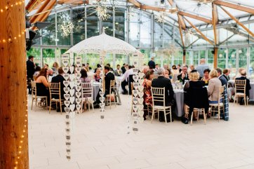 A Stylish Wedding at Alnwick Garden (c) Michal Ufniak (81)