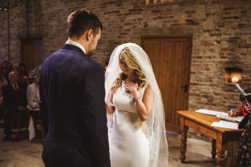 A Winter Wedding at Barmbyfields Barn (c) Photography34 (21)