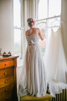 A Boho Luxe Wedding at Healey Barn (c) Helen Russell Photography (2)