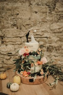 A Boho Luxe Wedding at Healey Barn (c) Helen Russell Photography (50)
