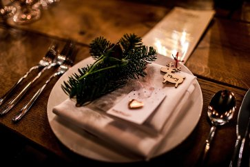 A Chic Winter Wedding at Wharfedale Grange (c) Daz Mack (40)