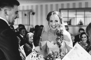 A Country Wedding at The New Hobbitt (c) Hayley Baxter Photography (19)