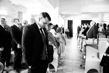 A Winter Wedding at The Millhouse (c) Kazooieloki Photography (26)