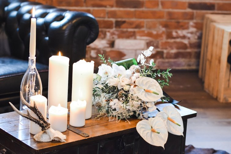 An Industrial Glam Bridal Shoot at Deighton Lodge (c) Littles and Loves Photography (8)
