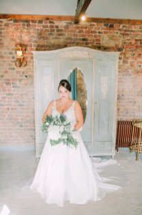 Stella York for a Romantic Wedding at Le Petit Chateau (c) Helen Russell Photography (9)