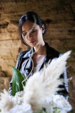 A Contemporary Coastal Bridal Shoot at Marsden Rock (c) Leanne Elizabeth Photography (17)