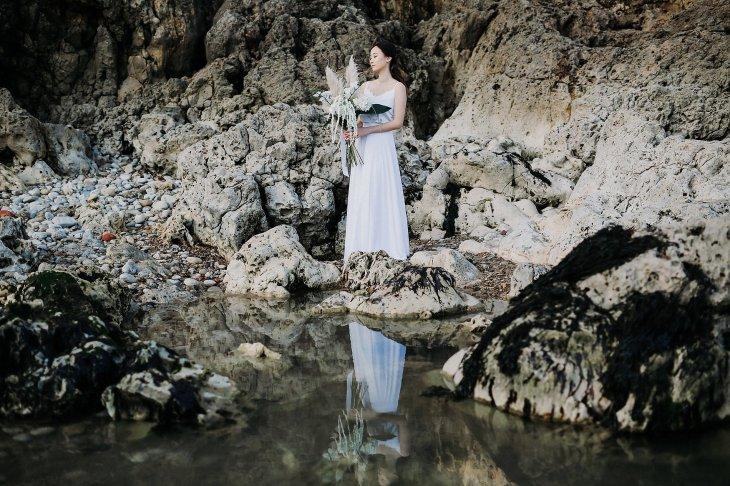A Contemporary Coastal Bridal Shoot at Marsden Rock (c) Leanne Elizabeth Photography (24)