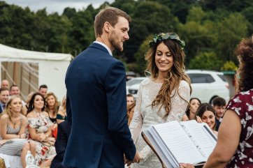 A Boho Wedding in The Peak District (c) Ellie Grace Photography (9)