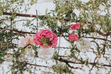 A Stylish Wedding in Yorkshire (c) Laura Calderwood Photography (14)