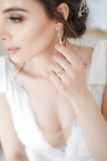 An Elegant Styled Bridal Shoot at Delamere Manor (c) Zehra Jagani (16)