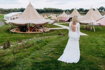 A Boho Bride Styled Shoot (c) Terri Pashley Photography (17)
