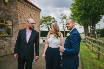 A Rustic Wedding at Barmbyfield Barns (c) Amy Jordison Photography (14)