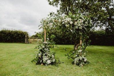 A Summer Barn Wedding at Stock Farm (c) Kate McCarthy (7)