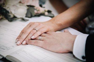 A Pretty Wedding at Holmfirth Vineyard (c) Glix Photography (29)