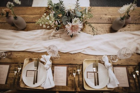 A Rustic Styled Shoot at Ystrad Farm (c) Fox & Bear Photography (9)