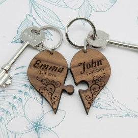 couples-romantic-joining-heart-keyring-1