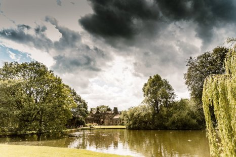 A Relaxed Wedding At East Riddlesden Hall (c) Hayley Baxter Photography (42)