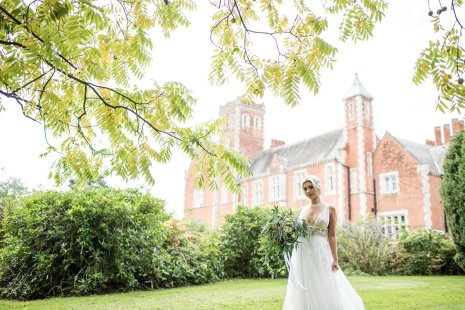 A Natural Wedding Styled Shoot at Thicket Priory (c) Jane Beadnell Photography (16)