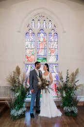 A Swan Lake Styled Shoot at Thickett Priory (c) Victoria Baker Weddings (16)
