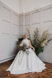 A Swan Lake Styled Shoot at Thickett Priory (c) Victoria Baker Weddings (33)