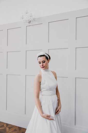 A Swan Lake Styled Shoot at Thickett Priory (c) Victoria Baker Weddings (39)