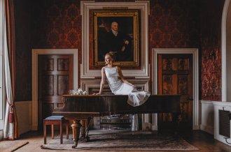 A ballet inspired bridal shoot at Leadenham Estate (c) Kyle Baxter Photography (25)