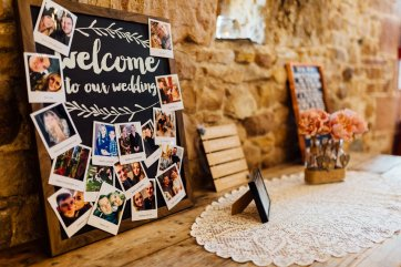 A Rustic Wedding at Three Hills Barn (c) Lauren McGuiness Photography (27)