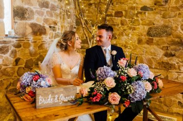 A Rustic Wedding at Three Hills Barn (c) Lauren McGuiness Photography (50)