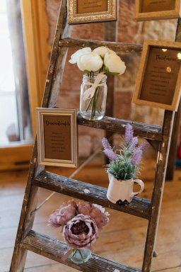 A Rustic Wedding at Three Hills Barn (c) Lauren McGuiness Photography (66)