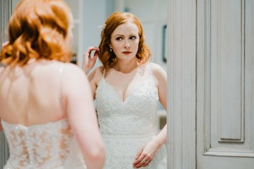 A Chic City Wedding at King Street Townhouse (c) Kate McCarthy (17)