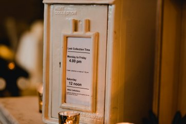 A Chic City Wedding at King Street Townhouse (c) Kate McCarthy (61)